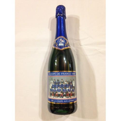 Bouteille de vin mousseux brut 1998 comm morative de l 39 quipe de france championne du monde de - Combien de coupe dans une bouteille de champagne ...