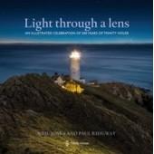 Light Through A Lens de Neil Jones