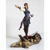 Figurine 'assassin's Creed: Unity' - Elise : The Fiery Templar