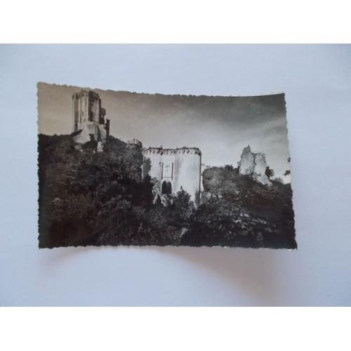 Lavardin . l et c. château 12e s donjon et pont <strong>levis</strong>
