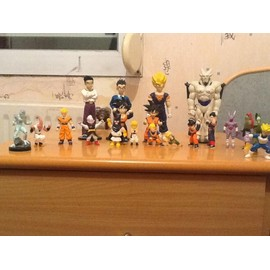 Lot de figurines Dragon ball Z a collectionner