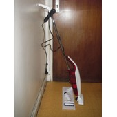 Aspirateur 2 en 1 ( aspirateur balai + aspirateur � main ) sans sac Singer PI5270H 600 WATTS
