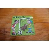 Adidas - Ancien Autocollant Sur Le Football - Coutant