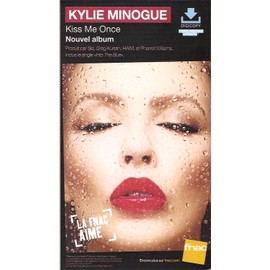 plv 14x25cm cartonnée rigide KYLIE MINOGUE kiss me once / magasins FNAC