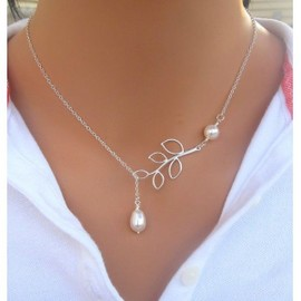 Collier Feuilles Perles Blanches