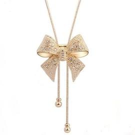 Long collier pendentif noeud papillon orné de swarovski Elèments argenté  GLAM