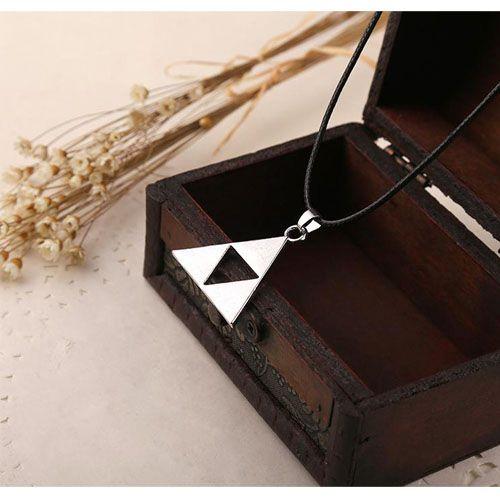 Collier Necklace Legend Of Zelda Triforce Link Bouclier Pouvoir. Anime Pendentif Triangles. Black Sugar Boutique Bijoux Fantaisie Accessoires Cosplay D�guisement Costume .