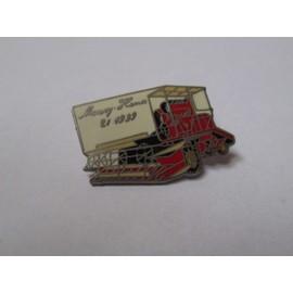 Pin's Tracteur / Massey Ferguson (Massey Harris 21 de 1999 signé Arcane)