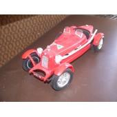Voiture Burago 1/16� Alfa Romeo 1931