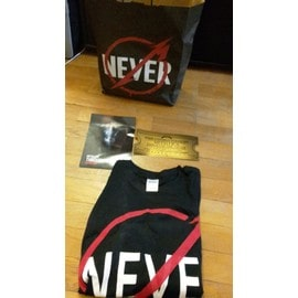 Metallica Collector : Through The Never VIP Pack (T-shirt, Golden Ticket, Invitation)