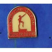 Pin's Twirling Baton Majorette Neuvy En Sullias Ref 152