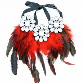 Collier Plastron Avec Perles En Cristaux Et Plumes Finfina