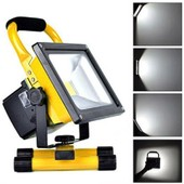 Projecteur Portable Led 10w / Etanche / Rechargeable 12v/220v Support In-Outdoor