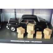 Mercedes Benz 220s James Bond 007 Goldfinger Universal Hobbies 1/43 Diorama