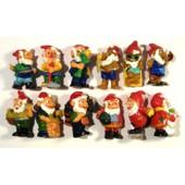 12 Figurines