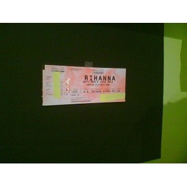 place concert rihanna a LILLE au stade pierre mauroy anti world tour en carre or