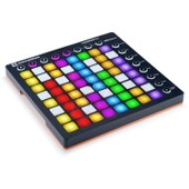 Novation Launchpad MK2 contr�leur de studio MIDI