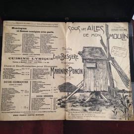 les chansons de la république de montmartre, la java, à montmartre la-haut, marianne, le p'tit rouquin, l'étrange, la belote sous les ailes de mon moulin