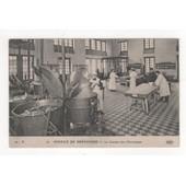 Carte Postale Hospice De Brevannes Cuisine Des Malades Chroniques Fourneau Chaudron Couvercle Chef Cuisinier Malade Anim�