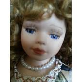 Poup�e Porcelaine Marquise Fran�aise - Cheveux Blonds Long Fris�s