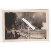 Photo Guerre 1939 45 Ww2 Bombardement Incendie Hangar En Feu Fum�e Rangers Gi�S Debarquement Normandie Campagne De France Us Army