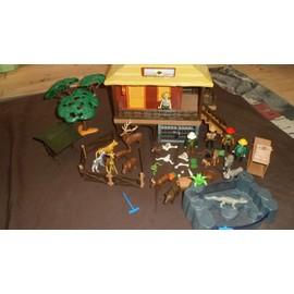 Occasion, Playmobil oambati station avec accessoires et personnages