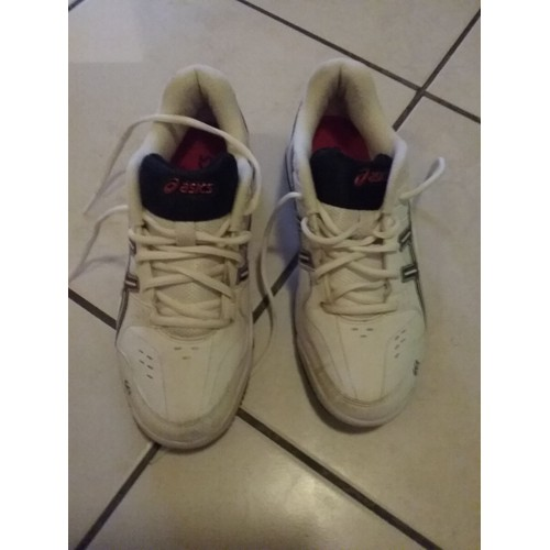 <strong>Baskets</strong> asics taille 40