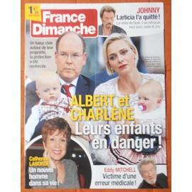 AFFICHE PLIéE FORMAT 80X60 FRANCE DIMANCHE JOHNNY HALLYDAY EDDY MITCHELL ALBERT CHARLENE DE MONACO