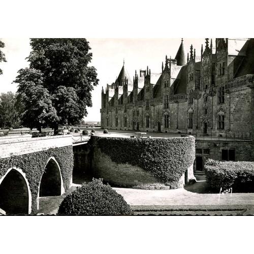 Carte postale de josselin morbihan le château soubassements de lancien pont <strong>levis</strong>