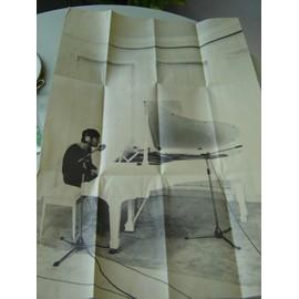 """POSTER JOHN LENNON """" 82,5 x 56 cm*NEUF /PLIE"""