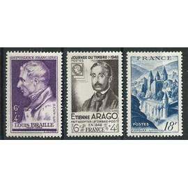 Lot de trois timbres 1948 avec trace de charnière N° 793, 794 et 805