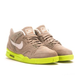 newest collection 8e632 4fb15 Baskets Nike Air Tech Challenge 2 Suede 644767 220 Marron.