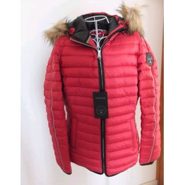 c25a5f6df92 Doudoune Femme Rouge Marque Napapijri Taille 42 Neuve Avec Etiquettes Prix  Boutique 449