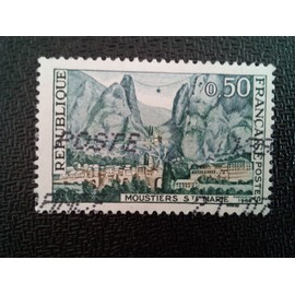 timbre FRANCE YT 1436 Moustiers Ste. Marie 1965