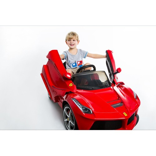 2 4g ferrari laferrari v hicule enfant voiture lectrique t l commande 12vmoteur. Black Bedroom Furniture Sets. Home Design Ideas