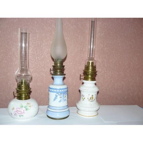 3 Lampes A Petrole En Porcelaine Achat Vente Neuf Occasion Rakuten