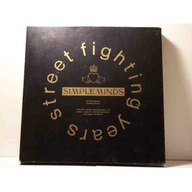 COFFRET STREET FIGHTING YEARS NUMEROTE AVEC CD + 2 K7 INTERVIEW + SONGBOOK PARTITIONS