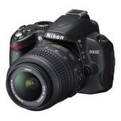 Nikon D3000 - Appareil Photo R�flex + Objectif Zoom AF-S DX VR Nikkor 18-55mm