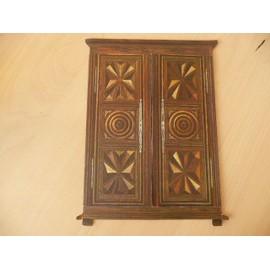 armoire bretonne d occasion plus que 4 70. Black Bedroom Furniture Sets. Home Design Ideas