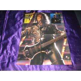 KISS Poster de Kerrang! 4 pages avec Geddy Lee de Rush en photo incrustée + Steve Vai au verso & Yngwie Malmsteen en photo incrustée.