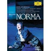 Norma de Brian Large