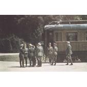 Hitler Et La D�l�gation Allemande Devant Le Wagon O� Vient D'�tre Sign� L'armistice,22 Juin 1940
