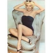 Marilyn Monroe Dans Un Fauteuil