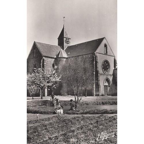 <strong>Levis</strong> saint nom s. et o. notre dame de la roche abbaye du xiiè siècle portail de la chapelle