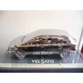 Renault Vel Satis De Collection En Metal Sur Socle - Echelle 1/21