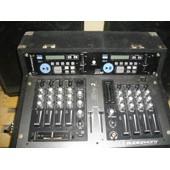 Sono compl�te Audiophony - R�gie avec enceintes, pieds, jeux de lumi�re, machine � brouillard, micros, caisses, ..