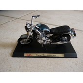 Moto Triumph Thunderbird 900