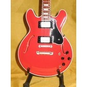 Guitare Miniature Chuck Berry