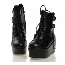 Bottines Bottes Boots Creepers Baskets Mocassins Plateforme Compens�s Cuir Clous Mode Rock Punk Gothique Black Sugar Boutique Mode Japon Cor�e Lolita D�guisements Cosplay Paris Ref 7602