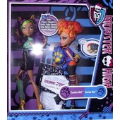 New Monster High Exclusive 2-Pack The Werewolf Sisters (Includes Clawdeen Wolf & Howleen Wolf)